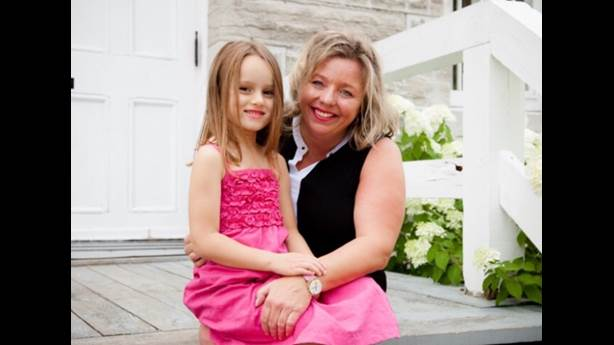 <p>Stroke survivor Nancy Beaudoin with her daughter.</p>