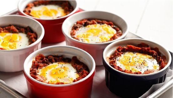 Baked eggs in ramekin dishes