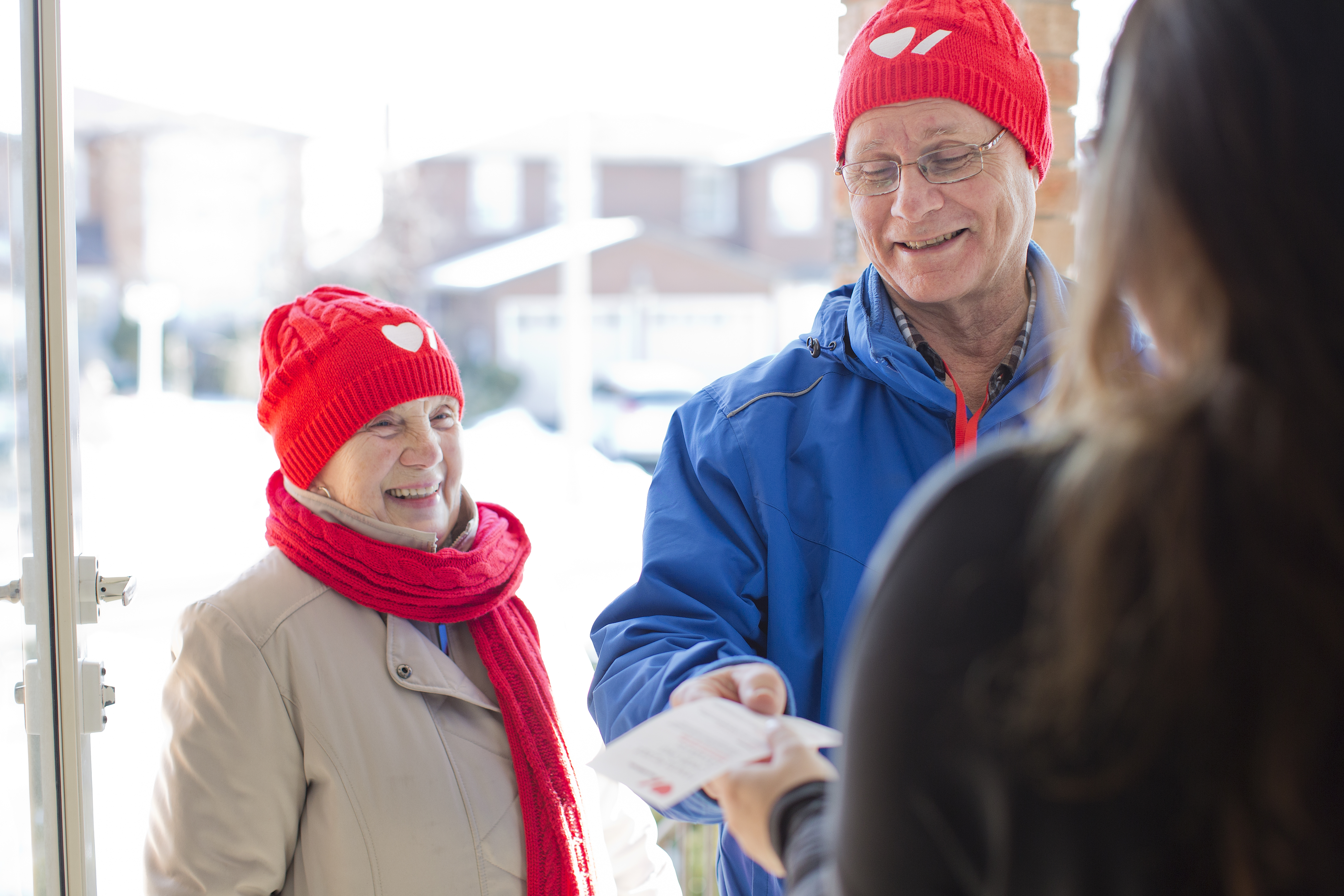 Two heart and stroke canvassers  sc 1 st  Heart and Stroke Foundation of Canada & Door to Door Campaign | Heart and Stroke Foundation