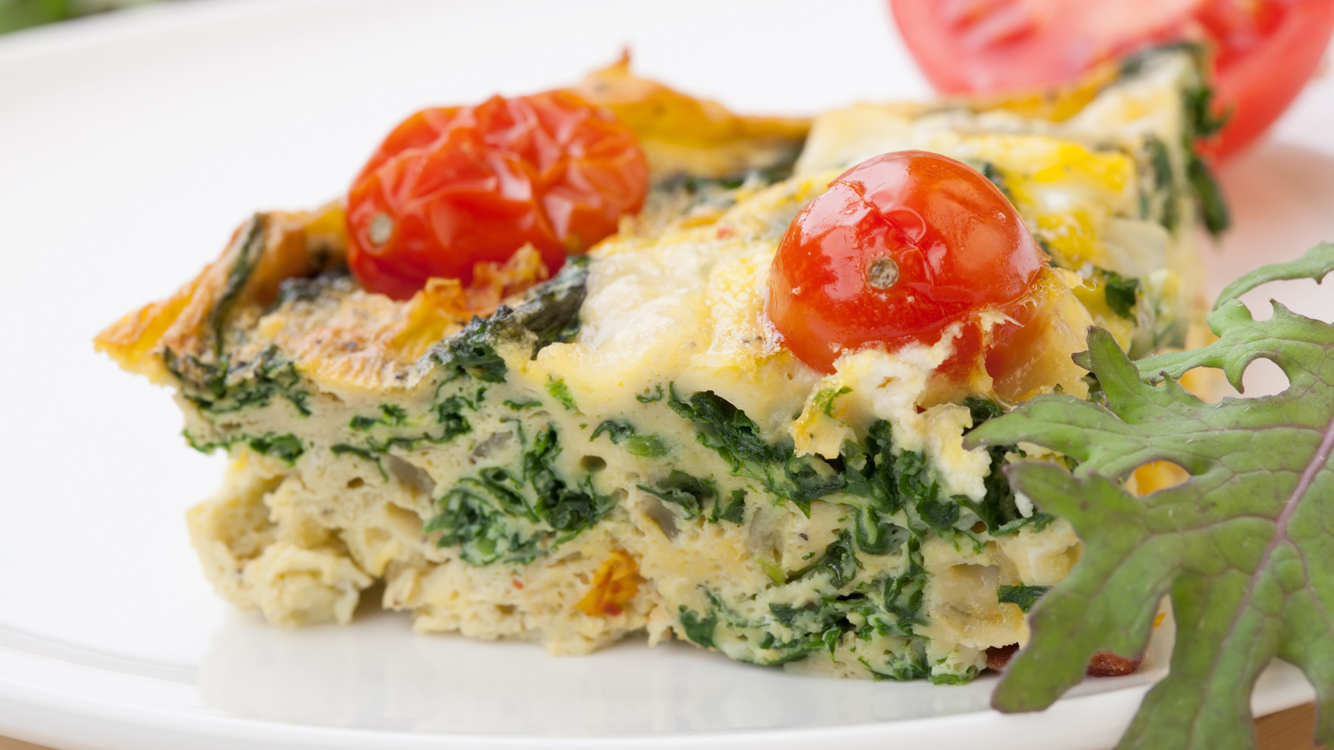 Spinach and tomato egg frittata