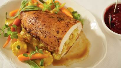 Turkey breast stuffed with curry and Gouda