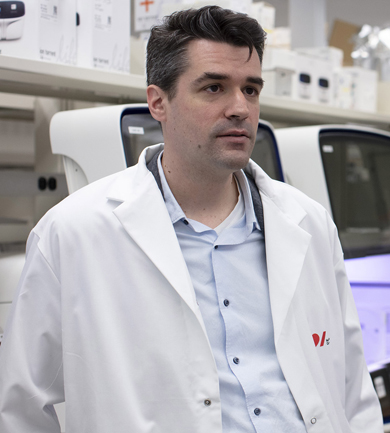 Dr. Paré in the lab