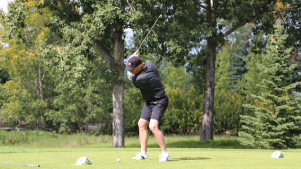 <p>Paul has returned to golfing since his stroke.</p>