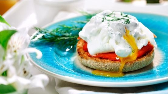 smoked salmon eggs benedict with creamy dill caper sauce