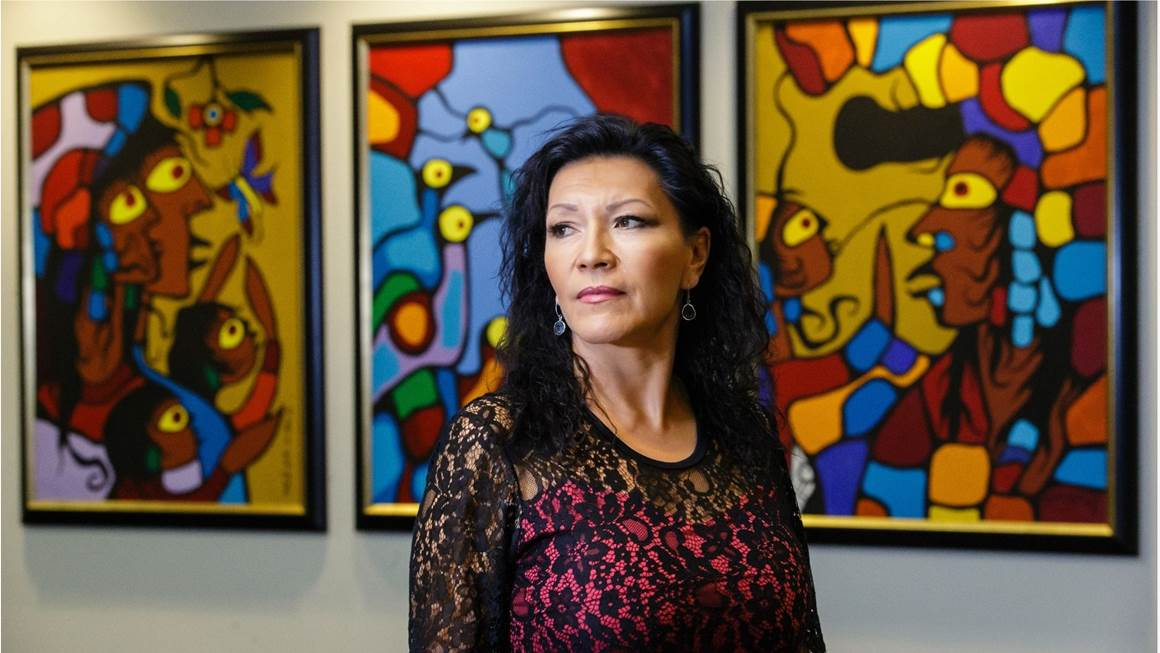 Lisa Meeches