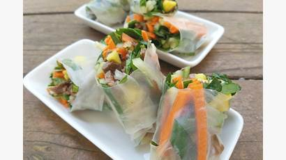 Sliced beef, vegetables rolled in rice paper wrappers